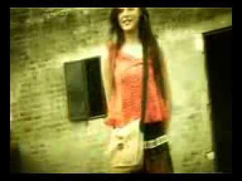 Download Chokero distike kotobar bollam shundori deko na* HD Mp4 3GP Video and MP3