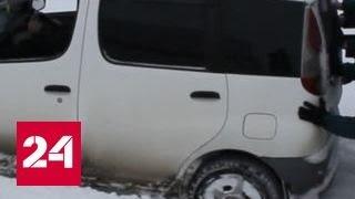 Тракторы вытащили застрявшие на снежных трассах Алтая машины