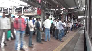 Andheri India  city photos : ENTERING AN ACTION PACKED ANDHERI STATION OF MUMBAI SUBURBAN RAILWAY - INDIAN RAILWAYS