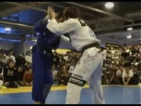 Arm broken with armbar in jujitsu – Shinya Aoki vs Hironaka