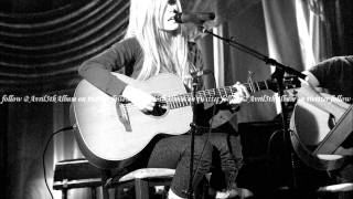 Avril Lavigne - Wish You Were Here (MALE and LIVE version)