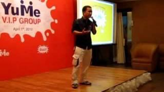 Dua Leo diễn stand up comedy - hai doc thoai - ở Yume VIP Gala Dinner