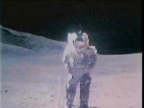 Astronautit lauleskelee kuussa – Kuuntele!