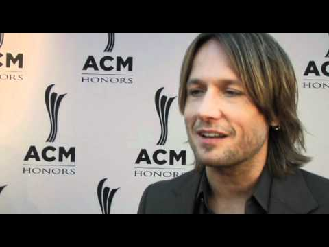 On the Carpet with Keith Urban at ACM Honors