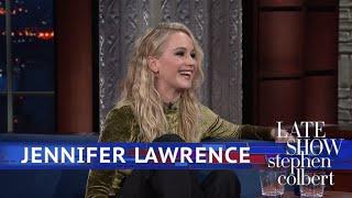 Video Jennifer Lawrence And Stephen Kick Off Their Shoes MP3, 3GP, MP4, WEBM, AVI, FLV Januari 2019