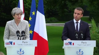 Video Theresa May meets French president Emmanuel Macron to discuss counter-terror strategy MP3, 3GP, MP4, WEBM, AVI, FLV November 2017