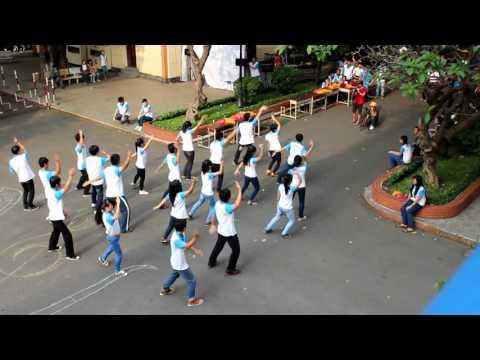 Hot Boy & Girl Đại Học KHTN TP.HCM nhảy flashmob