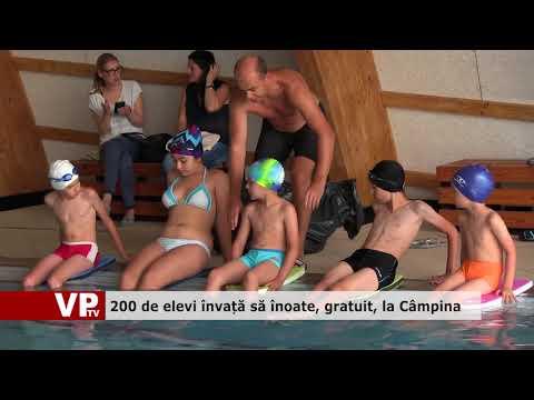 200 de elevi învață să înoate, gratuit, la Câmpina