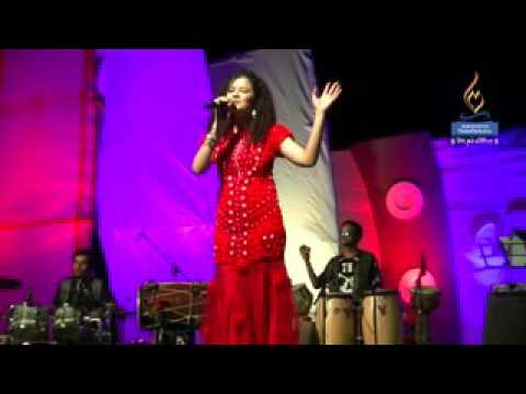 Video Palak muchhal Live performance at Mangalayatan  University download in MP3, 3GP, MP4, WEBM, AVI, FLV January 2017