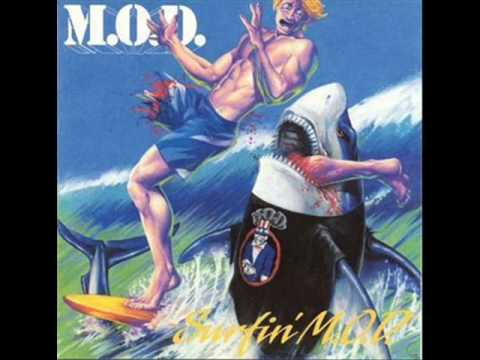 Tekst piosenki M.O.D - Surfin' U.S.A. po polsku