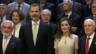SS.MM. los Reyes presiden el Pleno de la Real Academia Española