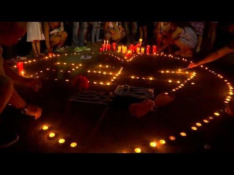 Κεριά στο Σύνταγμα στη μνήμη των 92 θυμάτων