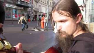 Might be the BEST street guitar player Mariusz Goli