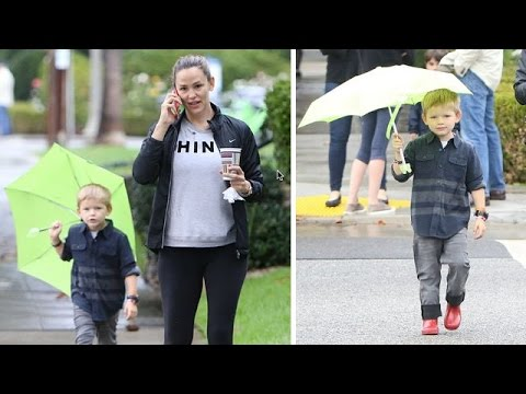 Jennifer Garner And Samuel Brave The Rain For Morning Outing