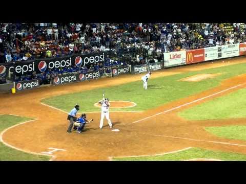 Alex Cabrera Home Run frente a Magallanes Juego Extra Round Robin 2011-2012