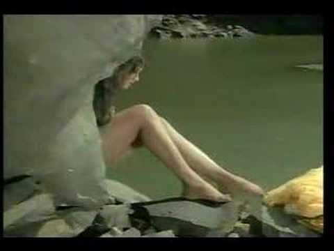 Rekha naked in Pran Jaye Par Vachan Na Jaye
