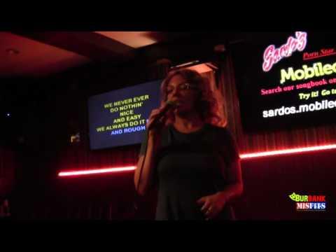 kiki daire sings at porn star karaoke (видео)