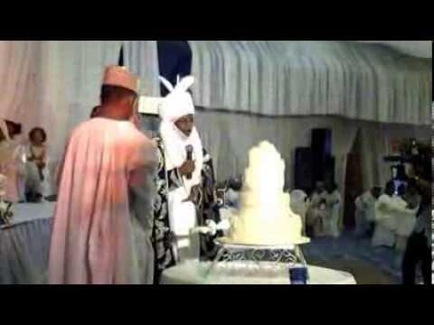 Video:Drama: CBN Gov Lamido Supervises Cutting of Cake as Mahmud Weds Fauziyya