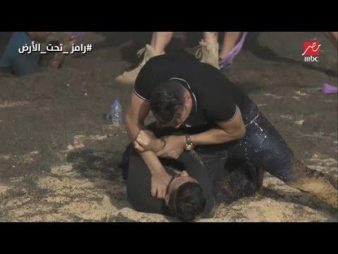 """عصام الحضري يعتدي بالضرب على رامز جلال بعد اكتشاف المقلب في """"رامز تحت الأرض"""""""