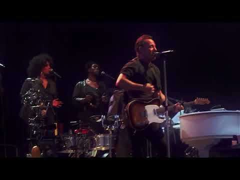 Bruce Springsteen - Long Walk Home (Multicam Napoli 23 may 2013)