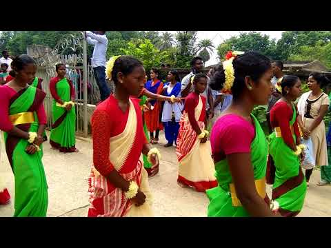 Jhunmur parish crush welcome