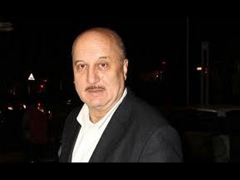 """""""Important to talk about issues, but no need to join politics"""" :Anupam Kher"""