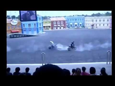 Môtô biểu diễn gặp tai nạn kinh hoàng