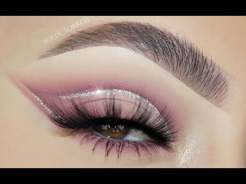 SOFT MAUVE / GLITTER CUT CREASE EYE MAKEUP TUTORIAL