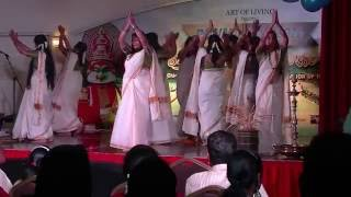 Video Chethi Mandaram Thulasi - Art of Living Nursery teachers performing download in MP3, 3GP, MP4, WEBM, AVI, FLV January 2017