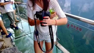 Wisata Paling MENAKUTKAN di DUNIA, Jembatan Kaca di Cina