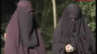 Video Video Eksklusif Istri Dua Tersangka Teroris Aris Dan Hendra MP3, 3GP, MP4, WEBM, AVI, FLV Mei 2018