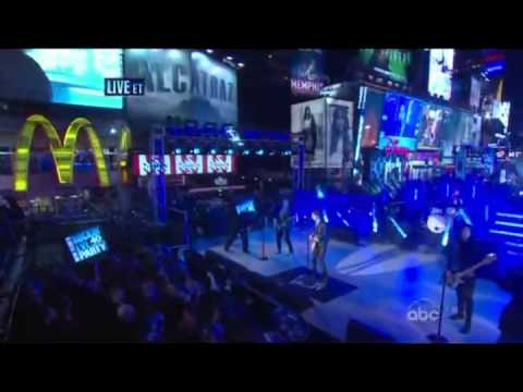 "Hot Chelle Rae ""I Like It Like That,Tonight Tonight"" Dick Clark's New Year's Rockin' Eve 2012"