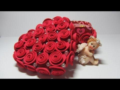 piccola scatola decorata con roselline in foamy