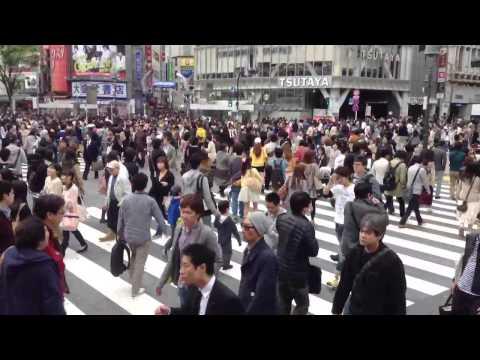 Ruch na skrzyżowaniu w Tokio