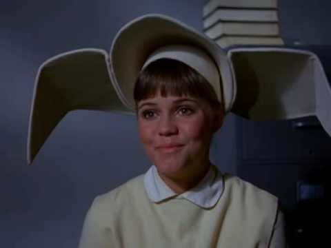 Flying Nun - Sr Bertrille want to make it snow of a old and kind sister. But as always her plan backfires.