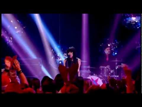 Carly Rae Jepsen - Call Me Maybe (Live Christmas Top of the Pops)