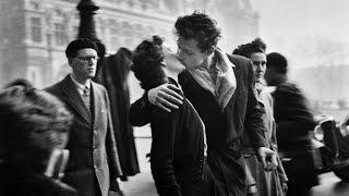 История одной фотографии. Поцелуй у здания муниципалитета