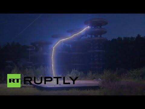 La legendaria torre de Tesla es puesta a prueba cerca de Moscú