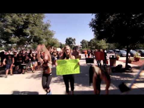 lipdub - WATCH ON MOBILE: https://vimeo.com/75058173 Lakewood High School's 2013 Lip Dub! A one-shot take of the 2000+ students of Lakewood High School dubbing Katy P...