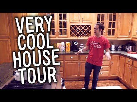 Jacksfilms one-take house tour parody