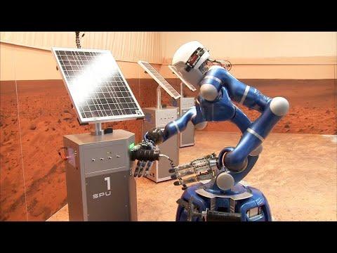 Astronaut Scott Tingle steuert Roboter auf der Erde