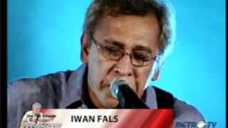 Video Iwan Fals-Di Bawah Tiang Bendera MP3, 3GP, MP4, WEBM, AVI, FLV April 2018