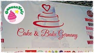 """Folgt mir doch auch auf folgenden Plattformen. Ihr könnt mir darüber auch sehr gern Bilder von Euren Werken schicken :)FACEBOOK: https://www.facebook.com/GenussVoll88INSTAGRAM: https://www.instagram.com/genussvoll_yt/In diesem Video seht ihr ein paar kleine Eindrücke von der Tortenmesse Cake & Bake 2017 in Dortmund. Ich war mehr privat unterwegs, daher habe ich nicht allzuviel gefilmt. Ich hoffe trotzdem, dass Euch dieses Video gefällt!Eure AnnikaDas gezeigte Bildmaterial wurde ausschließlich von mir aufgenommen, daher besitze ich das volle Eigentumsrecht.Die Hintergrundmusik ist Gemafreie Musik zur freien Verwendung freigegeben.Music from Epidemic Sound (http://www.epidemicsound.com)__Meine BackutensilienRührmaschine: http://amzn.to/2btkk83 (ich habe das Vorgängermodell und bin sehr zufrieden!) *Handrührgerät: http://amzn.to/2cYnosL *Springform 26cm: http://amzn.to/2bC6XWb *Springform 18cm: http://amzn.to/2b0dVWp *Blechkuchen-Springform 38x25cm: http://amzn.to/2b0dQlv *Tortenring: http://amzn.to/2btl9O8 *Backrahmen: http://amzn.to/2btmlRr *Tarteform: http://amzn.to/2btk494 *Gugelhupfform: http://amzn.to/2b0fFit *Tortensäge: http://amzn.to/2b0g5W6 *Mein FilmequipmentKamera: http://amzn.to/2jqQFUi *Stativ: http://amzn.to/1RjWOq3 *Softbox: http://amzn.to/1RjWXde *Videobearbeitungsprogramm: http://amzn.to/1RiRUA7 ** Alle Amazon-Links und meine """"Stuffwe.Love""""-Shops enthalten Affiliate Links. Das bedeutet, ihr könnt mich darüber ganz einfach und für Euch ganz kostenfrei unterstützen, da ich einen geringen Prozentsatz des Verkauferlöses als Provision bekomme!"""