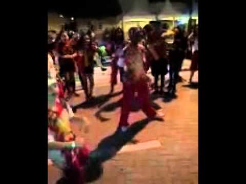 Group In Miami Doing New Dance Called the Jook