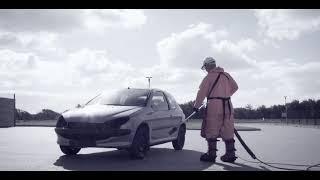 Mycie samochodu przy pomocy myjki 3000 barów