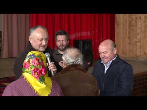 Президент побеседовал с жителями село Красноармейское Хынчештского района