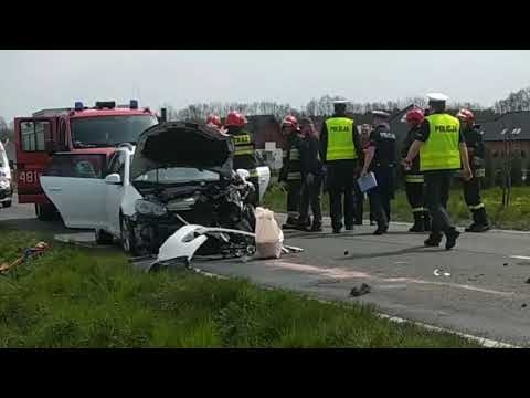 Wideo: Wypadek trzech samochodów pod Krzeczynem Małym