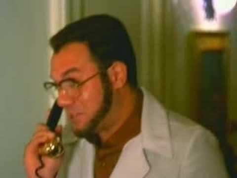 aci - Il mitico Furio (Carlo Verdone) chiede informazioni al Pronto ACI. Tratto dal film Bianco, rosso e Verdone (1981) diretto da Carlo Verdone e prodotto da Serg...