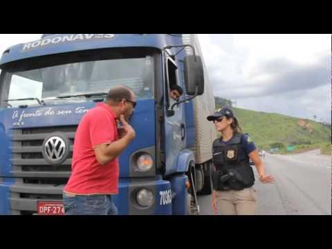 Mobilização dos caminhoneiros fecha o trânsito na BR 381 em Timóteo