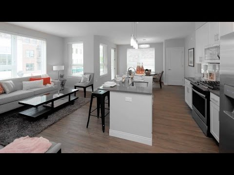 A light-filled 2-bedroom, 2-bath in downtown Oak Park at The Emerson
